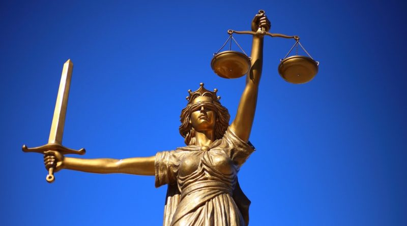 Kto może być obecny na sali sądowej?